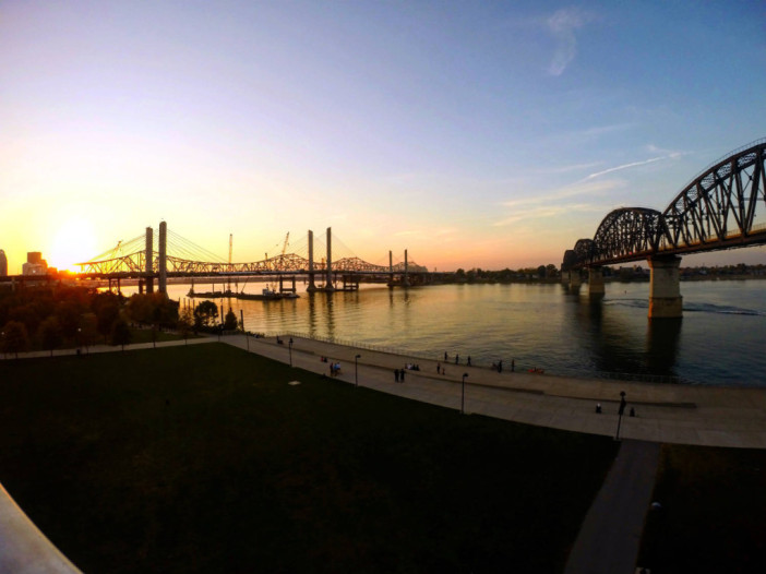 Bridges from Louisville, Kentucky over the Ohio River
