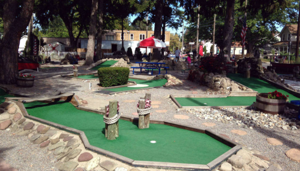 Mini Of Rochester >> Whispering Pines Mini Golf Rochester Ny