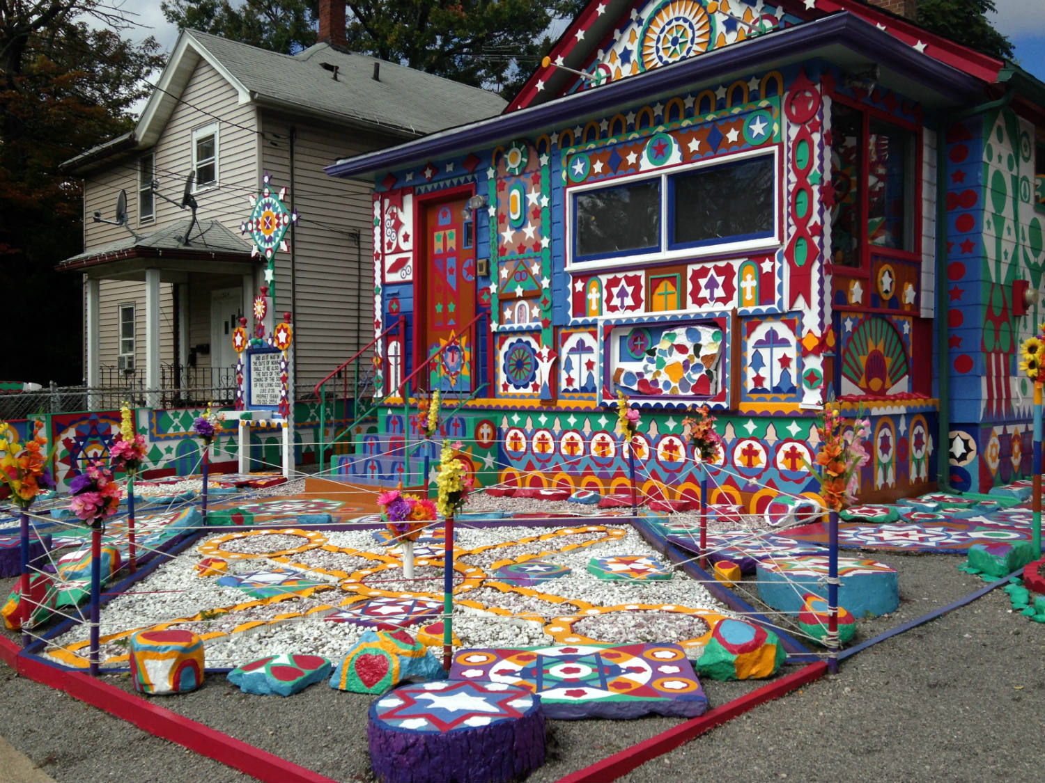 Front of Prophet Isaiah's Second Coming House in Niagara Falls, New York