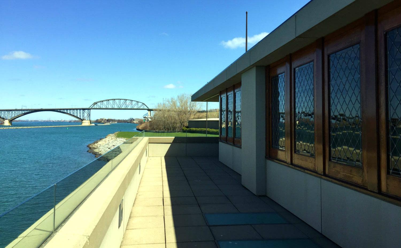 Frank Lloyd Wright Fontana Boathouse - Featured Image