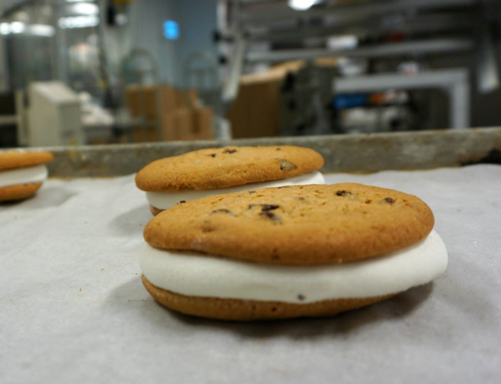 Byrne Dairy Chocolate Chip and Vanilla Cookiewich
