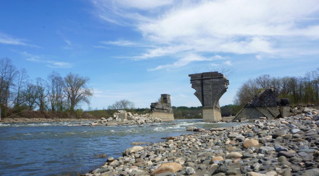 Schoharie Creek and Remnants of the Schoharie Crossing Bridge